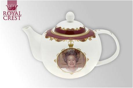Queen's Diamond Jubilee Bone China Tea Pot